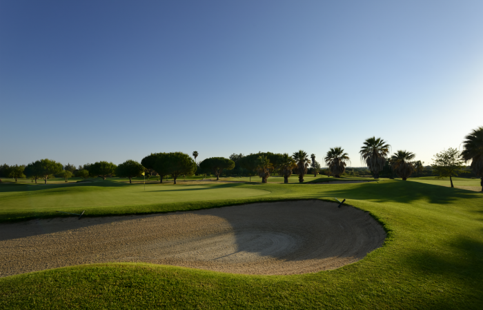 Sand bunker in the Dom Pedro Laguna Golf Course