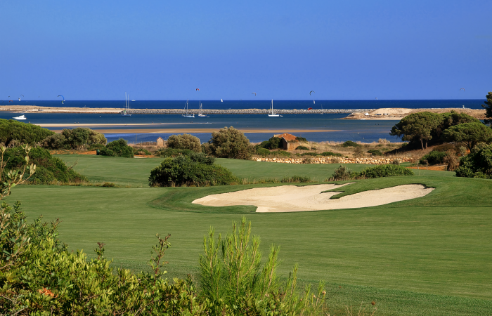 Sand bunker in the Palmares Golf Course