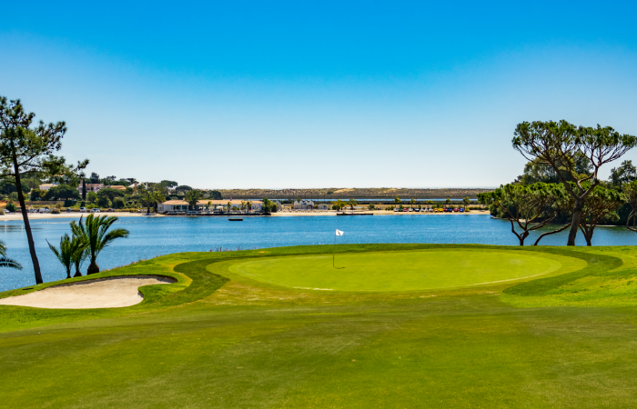South Golf Course green by the Quinta do Lago lake